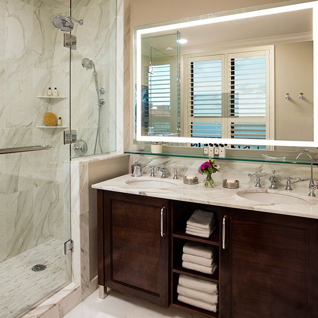 Flagler Club Guest Room with Ocean View bathroom