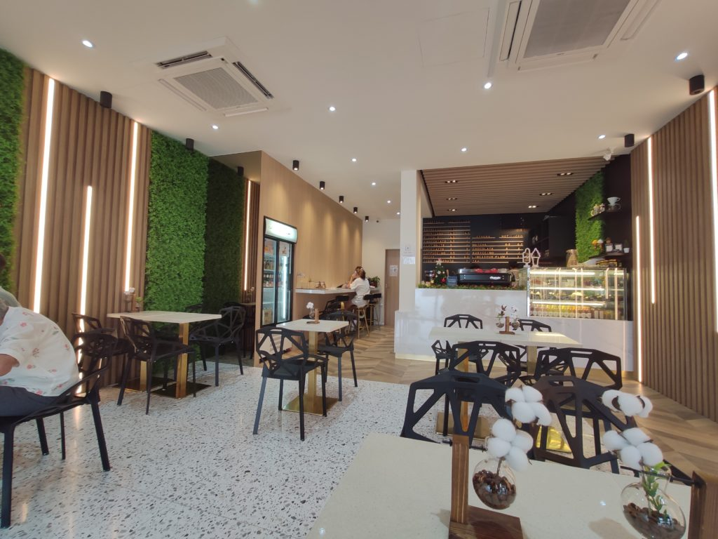 Durian Lab Cafe: Alexandra Village interior