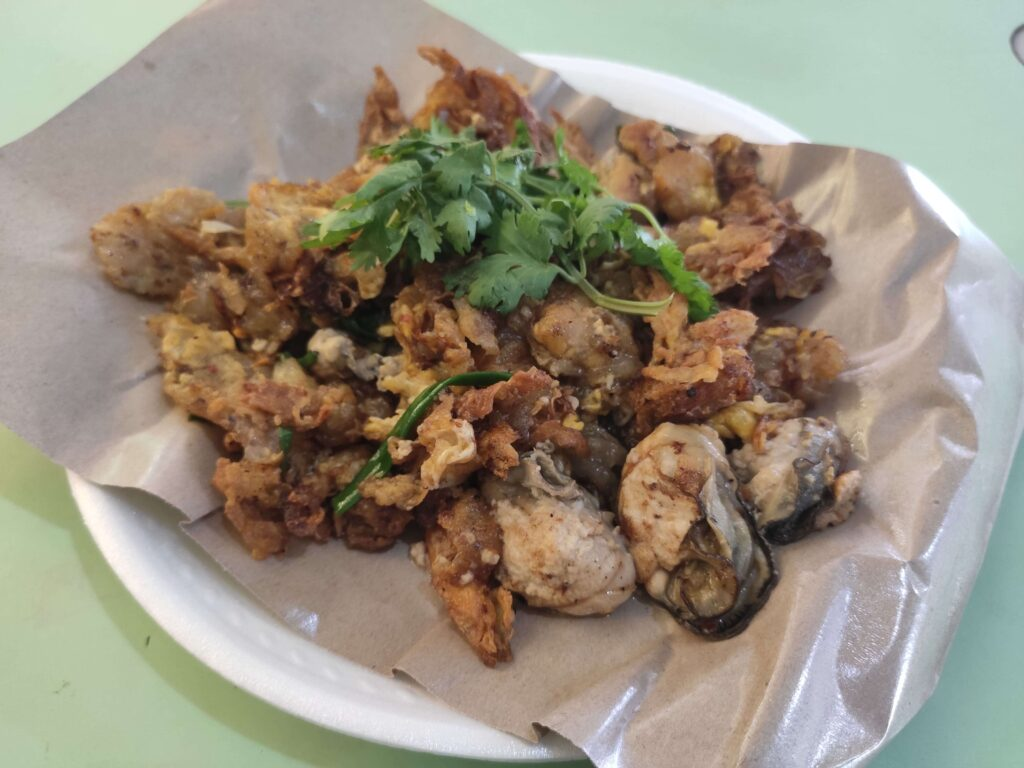 Famous Old Airport Fried Oyster: Fried Oyster Omelette