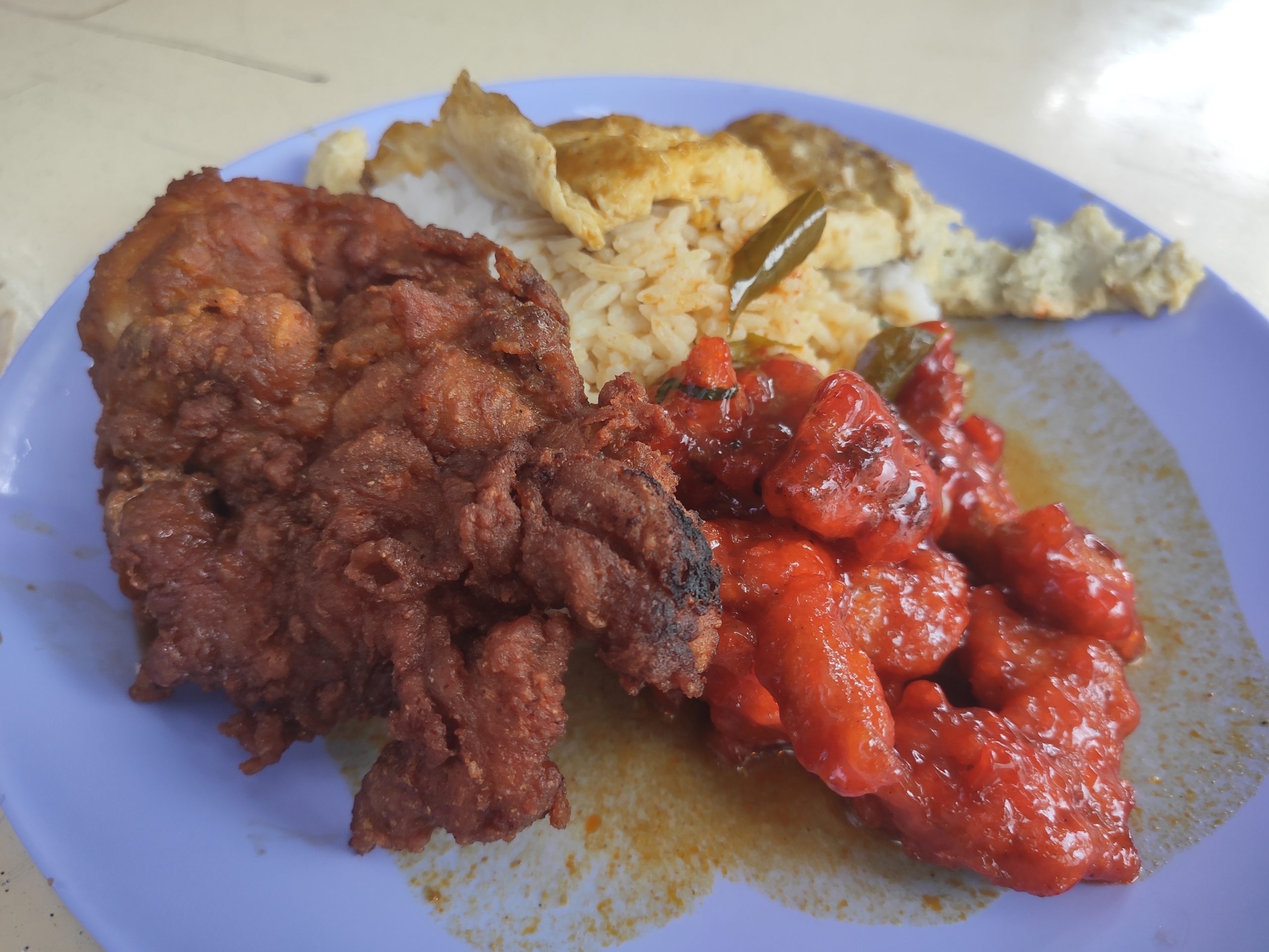 Hong Xin Teochew Porridge Rice: Sweet Sour Pork, Chicken Cutlet, Egg Omelette with Rice & Curry