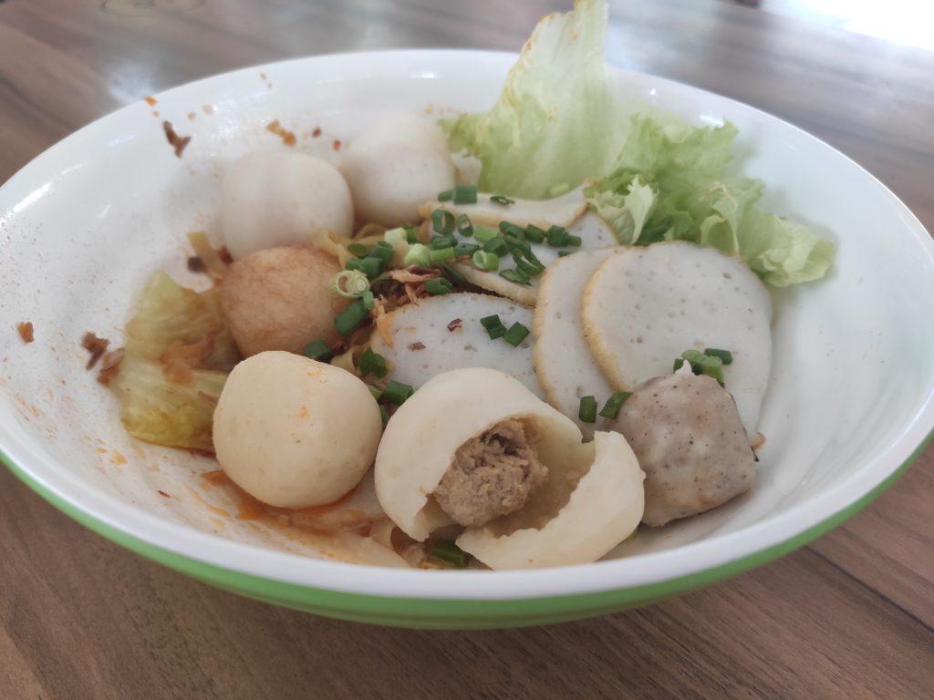 Mei Ji Fish Ball Noodles: Mee Pok with Fuzhou Fishballs