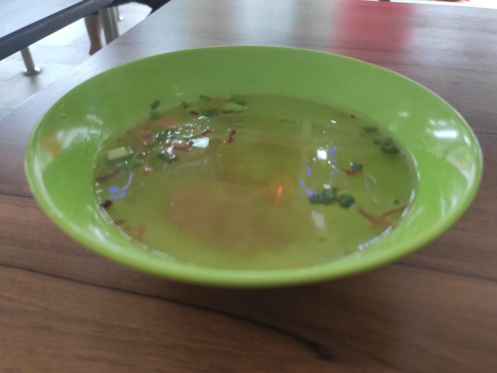 Mei Ji Fish Ball Noodles: Soup