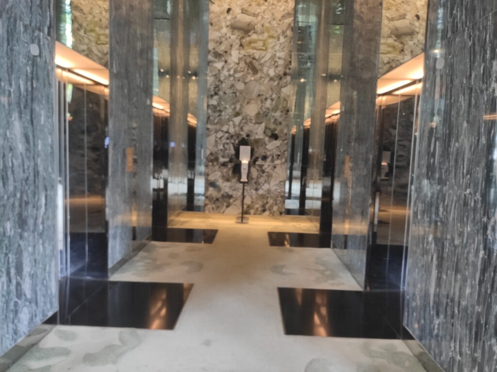 Parkroyal Collection Pickering: Lift Lobby