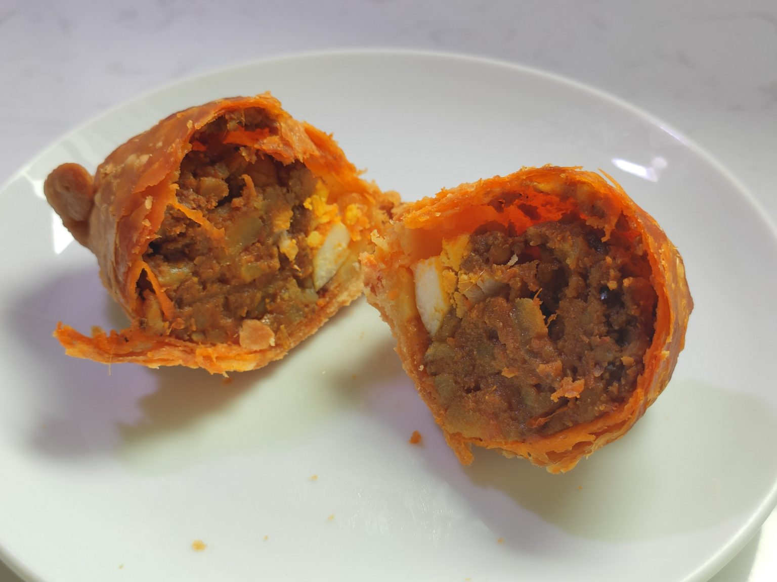 Review: Rolina Traditional Hainanese Curry Puff (Singapore)