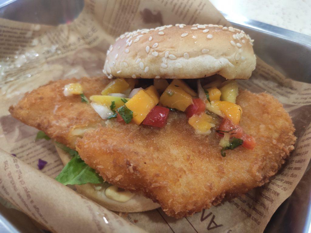 Skirt & Dirt: Fish Crisp with Tropica Salsa