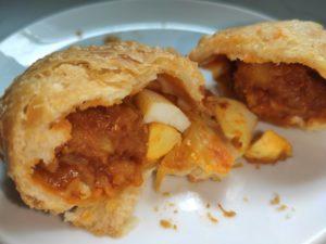 Tanglin Crispy Curry Puffs: Chicken Filling