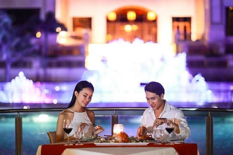 Thưởng thức bữa tối trong không gian lãng mạn