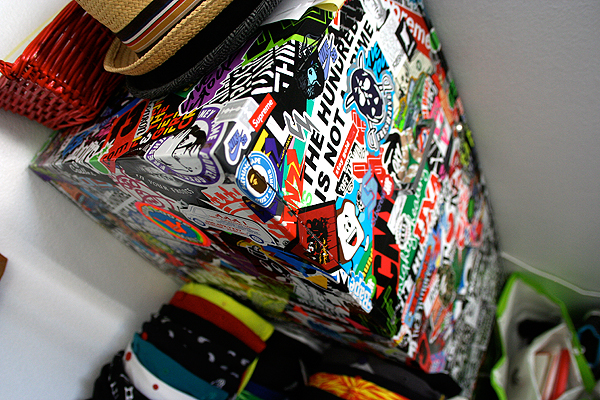thehundreds_stickerbombed_4.jpg
