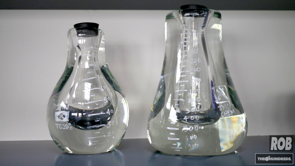 custom glass beakers