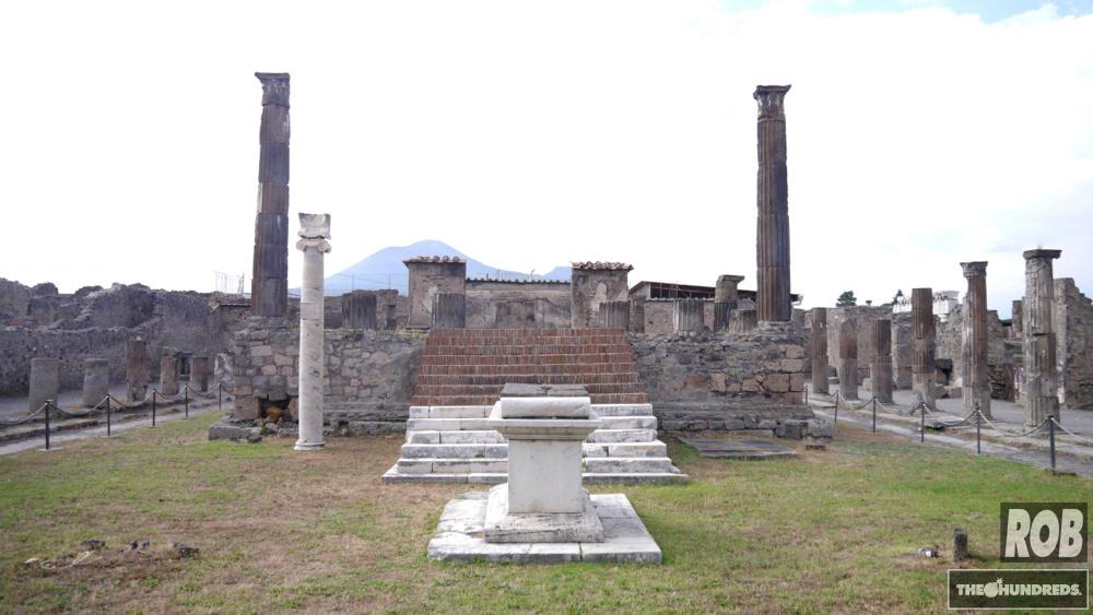 pompeii center