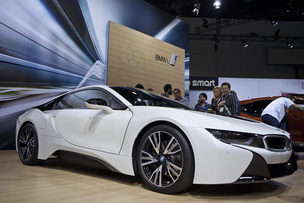 BMW_I8_FRONT3QUARTER
