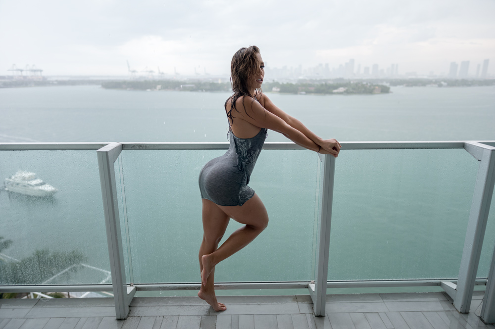 nicole_mejia, nicole mejia, model nicole mejia, van styles, v/sual, model poses in the rain