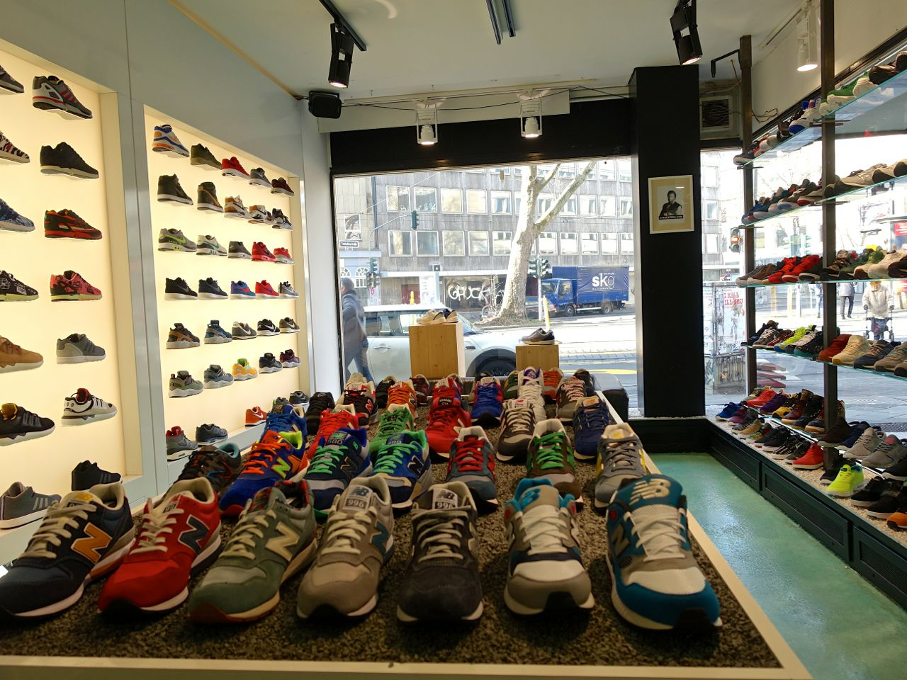 new product e4f64 fdbcc Food & Drink, Art & Sneakers :: A Day Guide to Dusseldorf ...