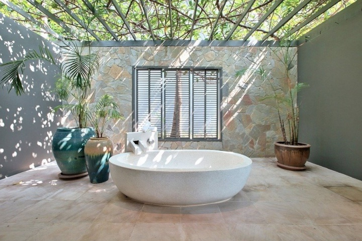 The Most Instagrammable Bathtubs in Samui