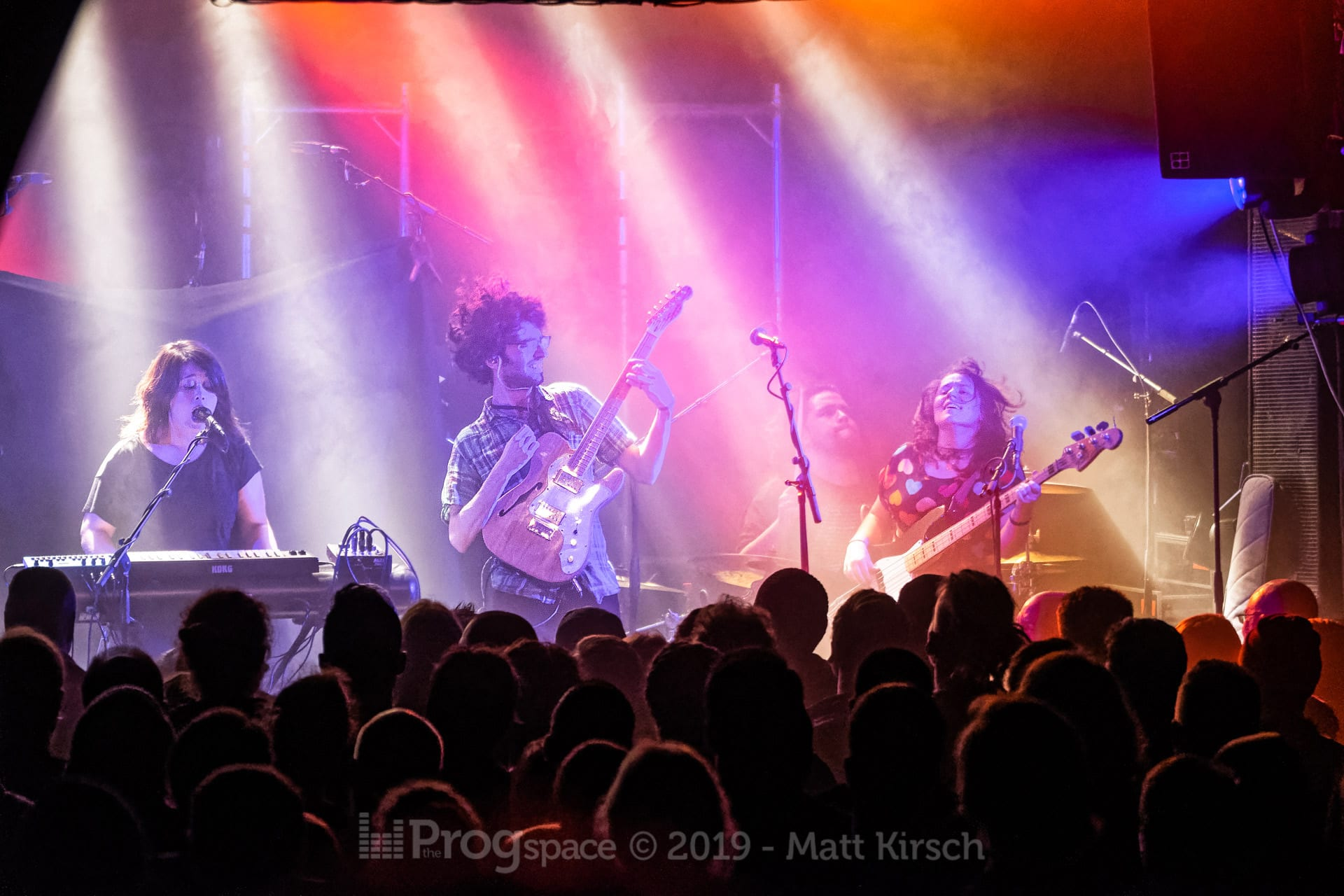 Bent Knee in Hamburg, 21 February 2019