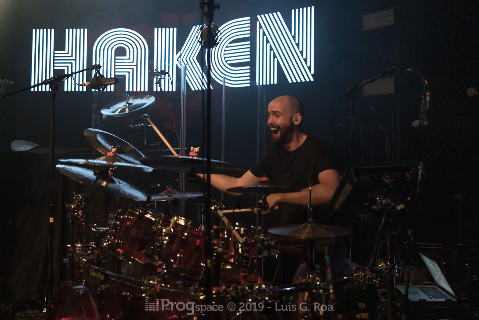 Haken-17