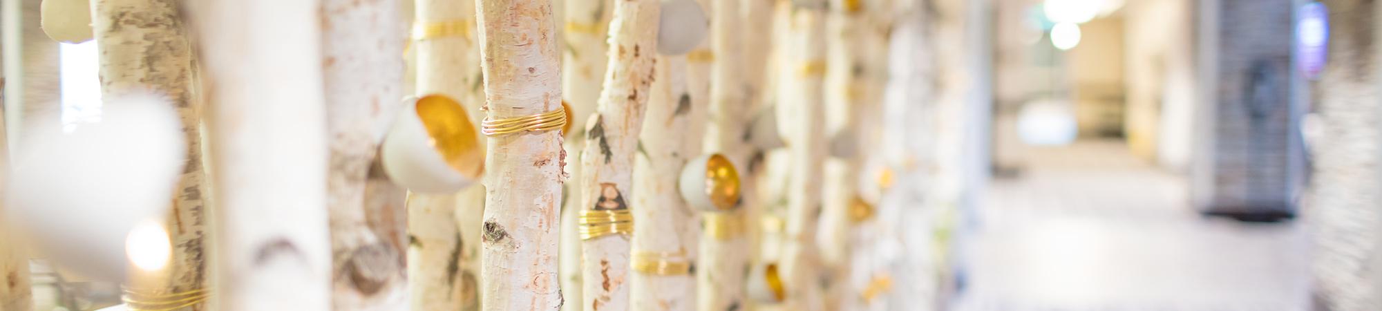 Decorative gold hallway feature