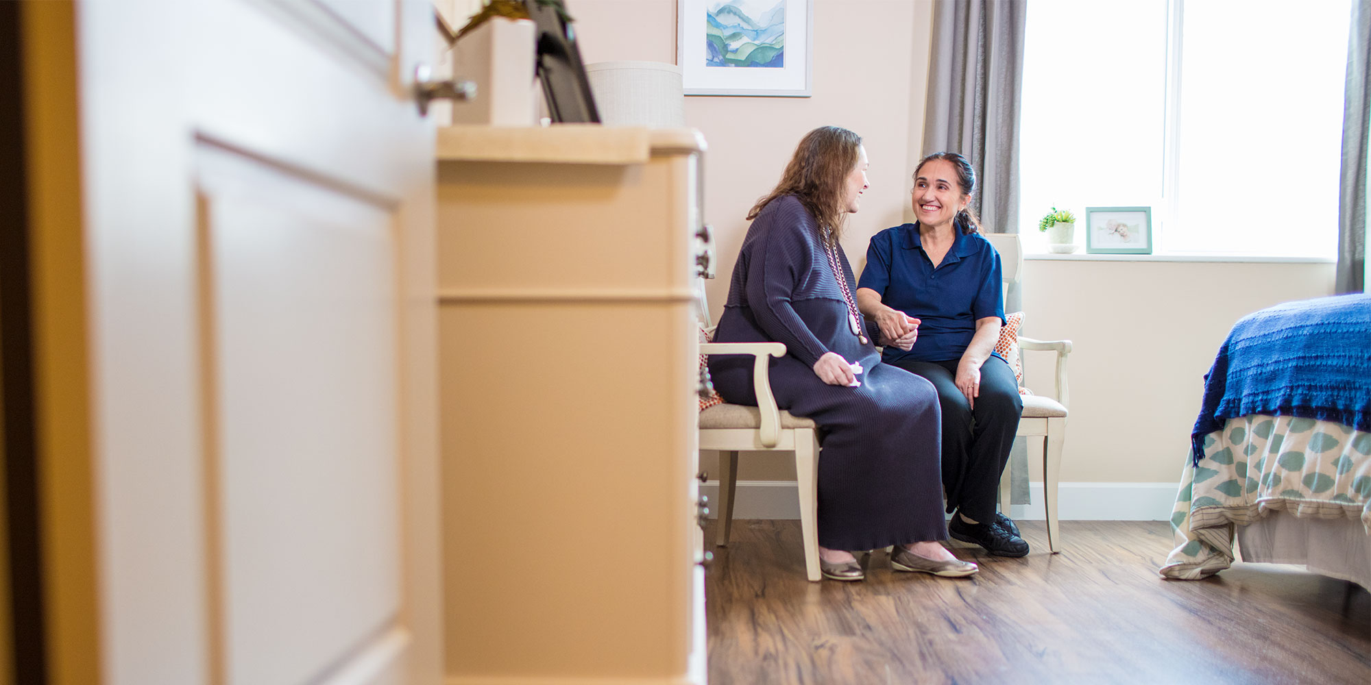 The Differences: Assisted Living vs. Memory Care | The Ridge
