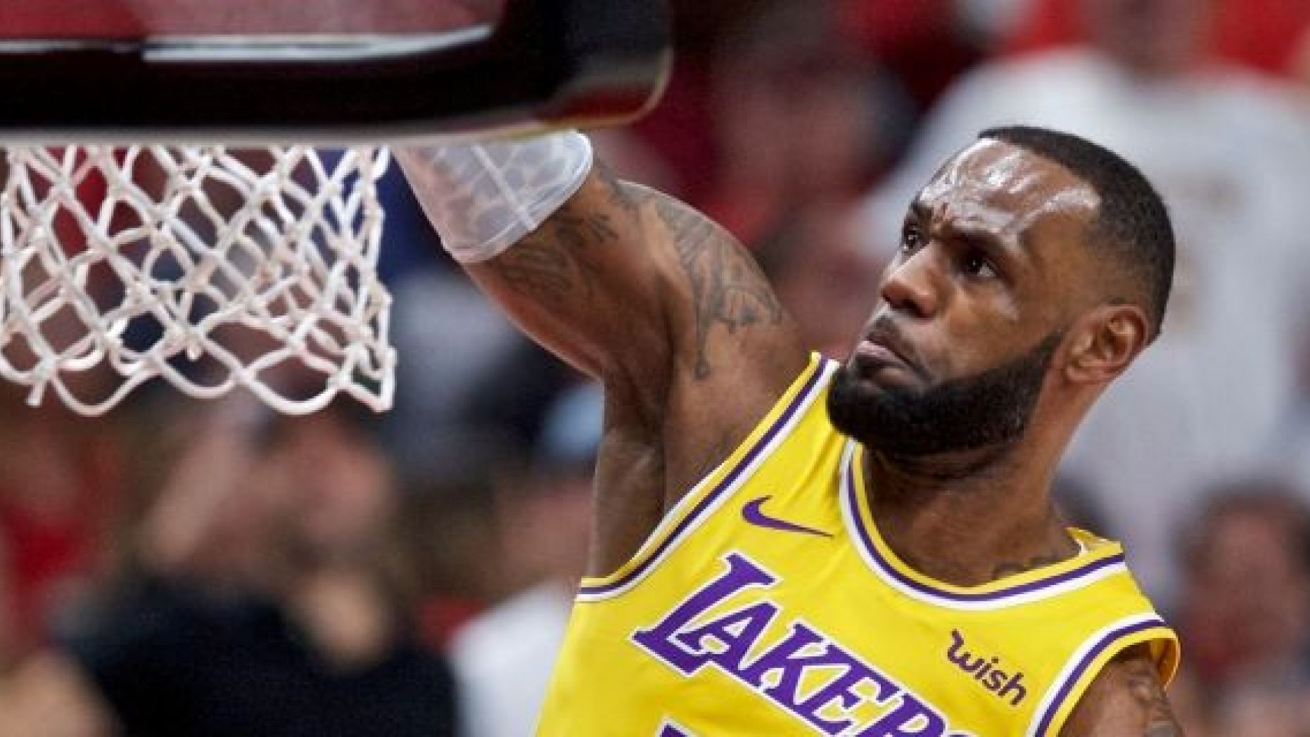 NBA: Brawl in LeBron James Lakers Home Opening Game ...