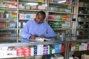 A pharmacy worker in Narok, Kenya. Photo: Milma Kettunen