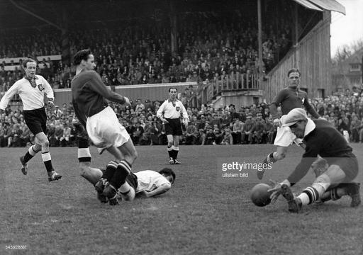 1941: Switzerland – Germany 2-1 (1-1) | Germany's / Deutschlands Nationalmannschaft