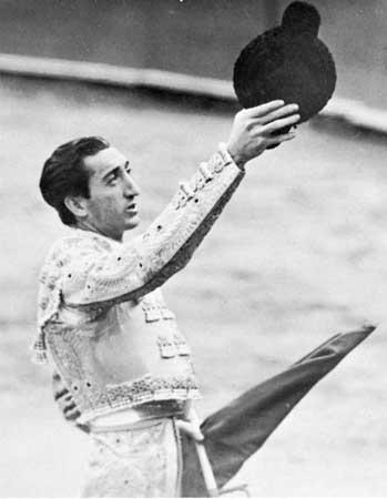 Manolete | Spanish bullfighter | Britannica