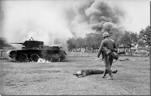 HISTORY IN IMAGES: Pictures Of War, History , WW2: Barbarossa: Hitler Attacks Russia (LARGE IMAGES)