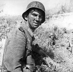 Unidentified A German soldier wearing an improvised gas mask, 1915. The first widely reported ...