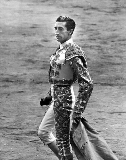 Celebrate the Festival of San Fermín With Vintage Bullfighting Photos | Time