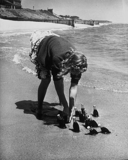 [изображение] The new board walk, Rockaway, Long Island, 1903. New York Public Library ...