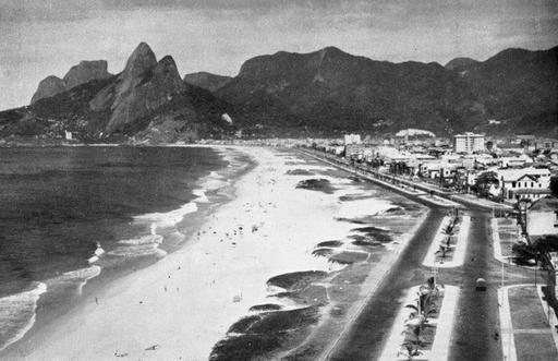 Praia de Ipanema em 1940. 2. Palavras-chave: Ipanema, natureza, urbanização, antigo. | {IED DG ...