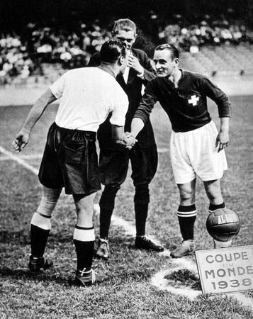 Pre-Adidas World Cup match ball FIFA World Cup 1938 France Allen - worldcupballs.info