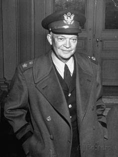 General Dwight D. Eisenhower - Photos - NEWS' rare color celebrity photos | World War II ...