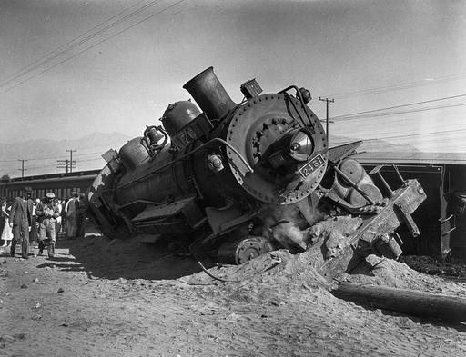 From the Archives: 1935 train wreck in Glendale hurts dozen - Los Angeles Times