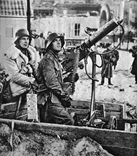 Finnish AA gun, 1939. The gun is a 7.62x54mm Russian Maxim. | weapons and history |