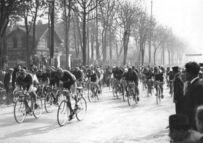 The Start of the Tour de France Cycle Race, Paris 1938. | Stephen's board of cycling |  ...