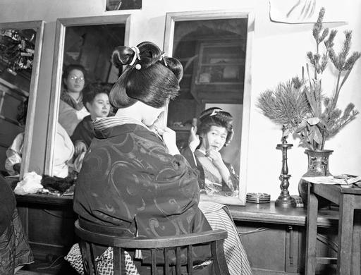 Tokyo, Japan 1917-1950: Rare Images Of Love, Loathing And Life - Flashbak