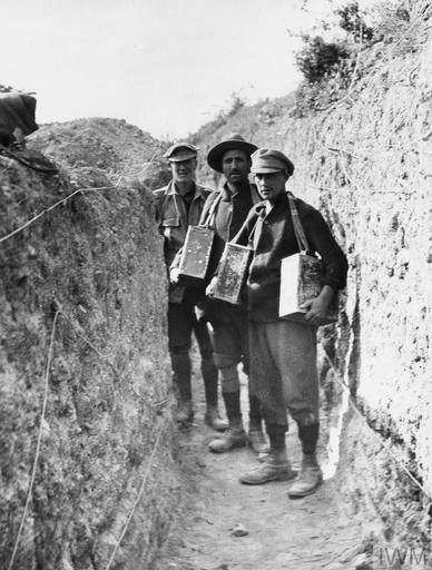 AUSTRALIAN FORCES IN GALLIPOLI 1915-1916 (HU 129597)