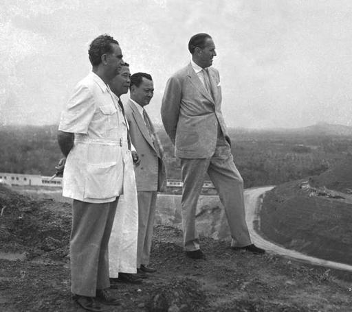 Inspecting the future site of Nanyang University in 1955 – Everyday Life in Maoist China