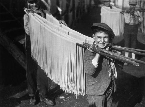 Designer | Curator | Brother - Pasta Production 1925 - 1955 | Via Pasta, the...