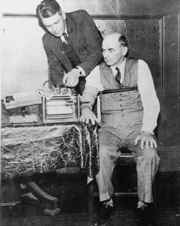 Polygraph first used to get a conviction, February 2, 1935 | EDN