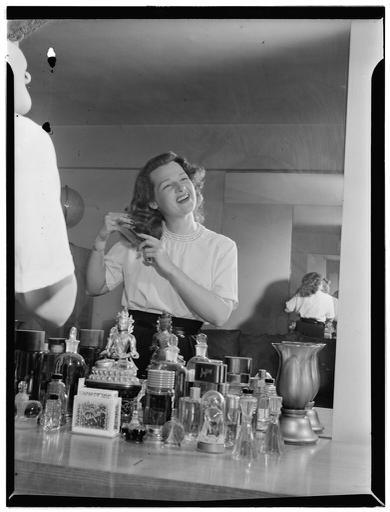 [Portrait of Jo Stafford, New York, N.Y.(?), ca. July 1946… |
