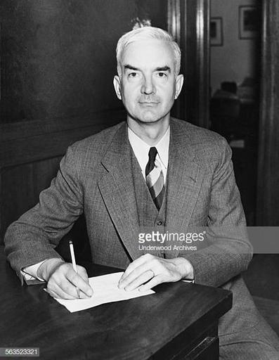 Desk 1938 Fotografías e imágenes de stock |  Images