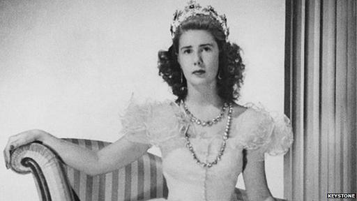 Duchess of Alba: Spain's richest aristocrat dies aged 88 - BBC News