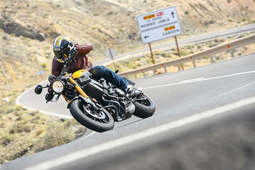 motorcycle-riding-corner-europe