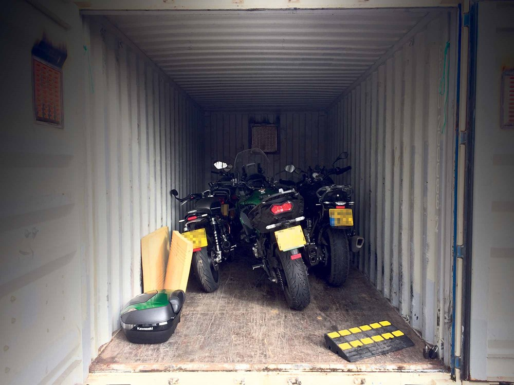 motorcycles-in-garage-security-reduce-insurance