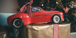 Christmas gift ideas for young drivers