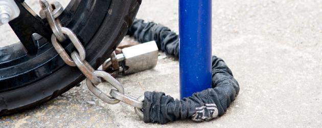 Bike chain with padlock