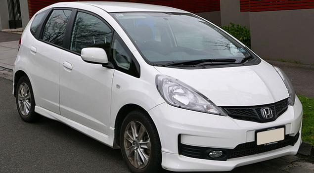 White_honda_jazz