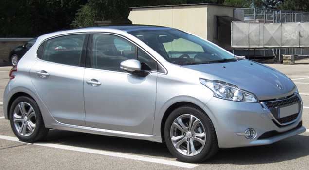 silver_peugeot208